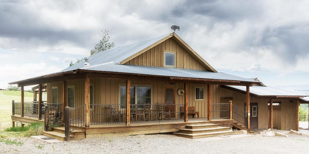 Scenic Mesa Cabin Exterior