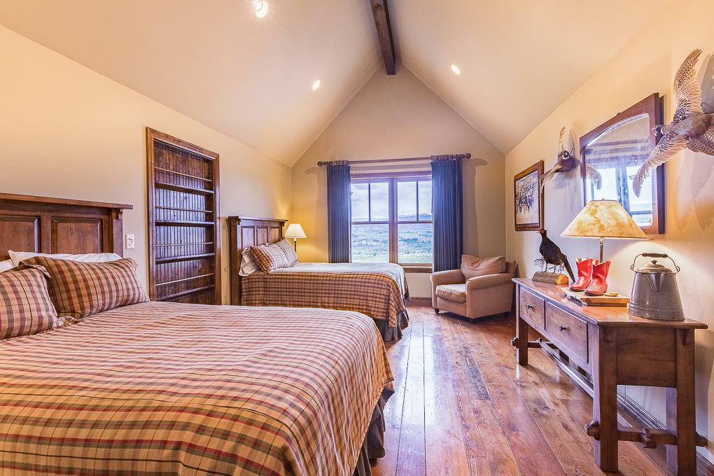 Scenic Mesa Lodge BD 2